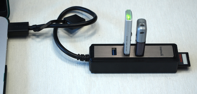 Inateck Portable USB 3.0 Hub with SD Card Reader