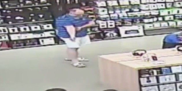 It's just this easy to steal from the Apple Store (video)