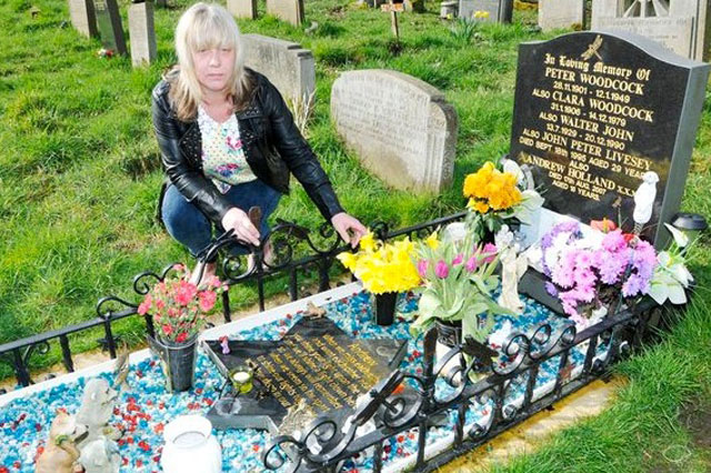 grieving mother used teddy to catch grave thief