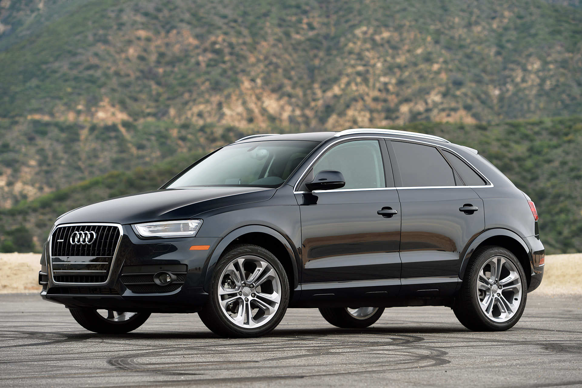 audi q3 news photos and buying information autoblog. Black Bedroom Furniture Sets. Home Design Ideas