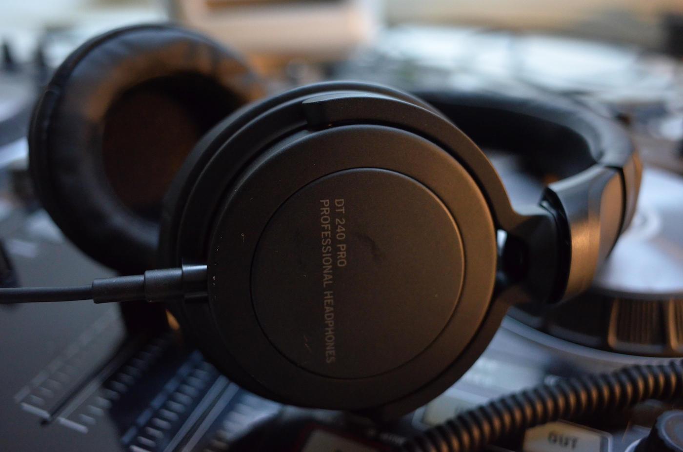 Beyerdynamic DT 240 PRO Review