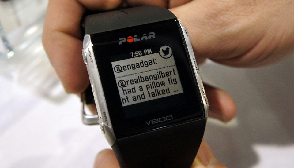 Smartwatch-style notifications are finally coming to Polar's V800