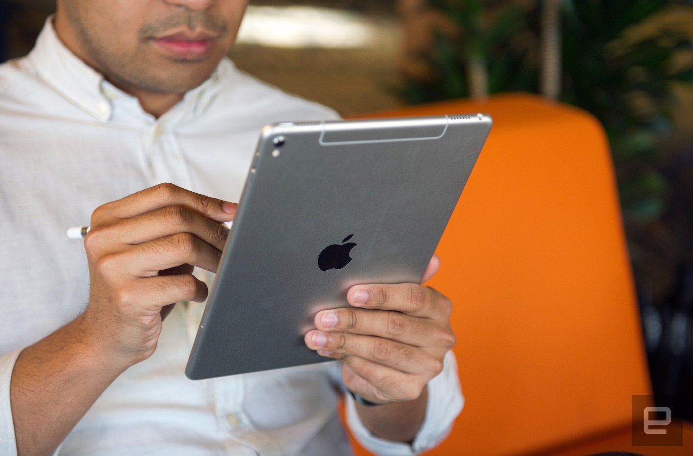 iPad Pro 9.7 review: Apple's best tablet, but it won't replace a laptop