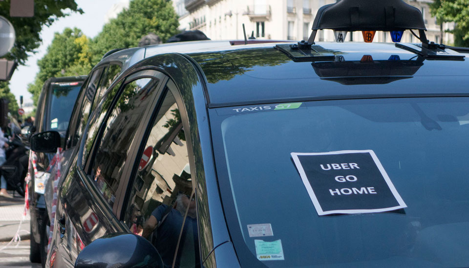 Uber managers taken into custody in wake of French protests