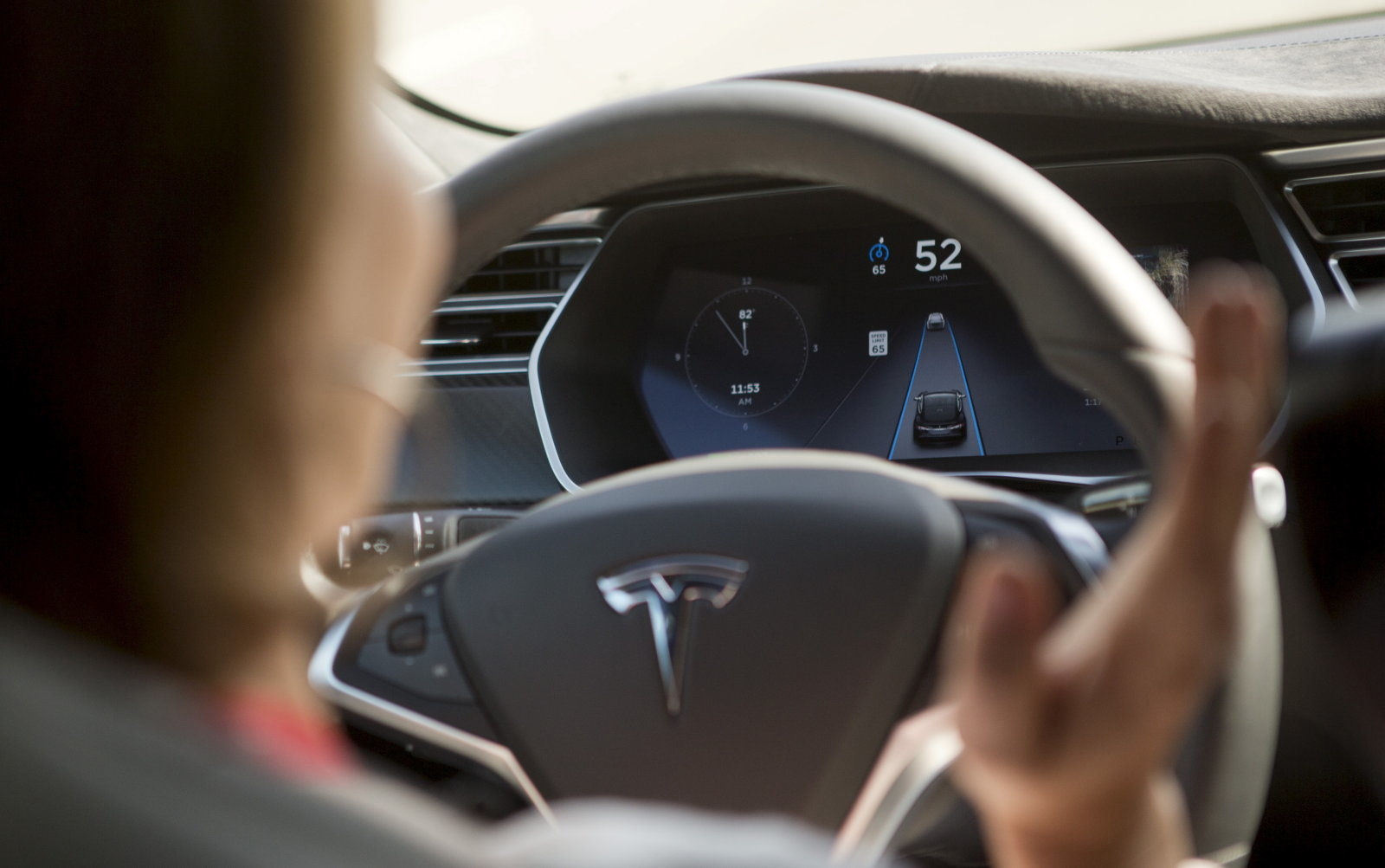 The Tesla Model S version 7.0 software update containing Autopilot features are demonstrated during a Tesla event in Palo Alto, California October 14, 2015. REUTERS/Beck Diefenbach