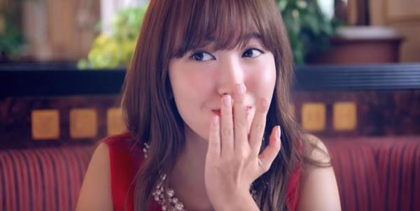 AKB48・小嶋陽菜のケーキを頬張る表情が可愛すぎてずっと見てられるレベル【動画】