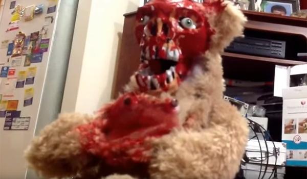 何だよコレwww 地獄のテディベア人形がマジでコワすぎる【動画】