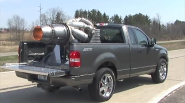 【ビデオ】航空機用ジェットエンジンを積んだモンスタートラック