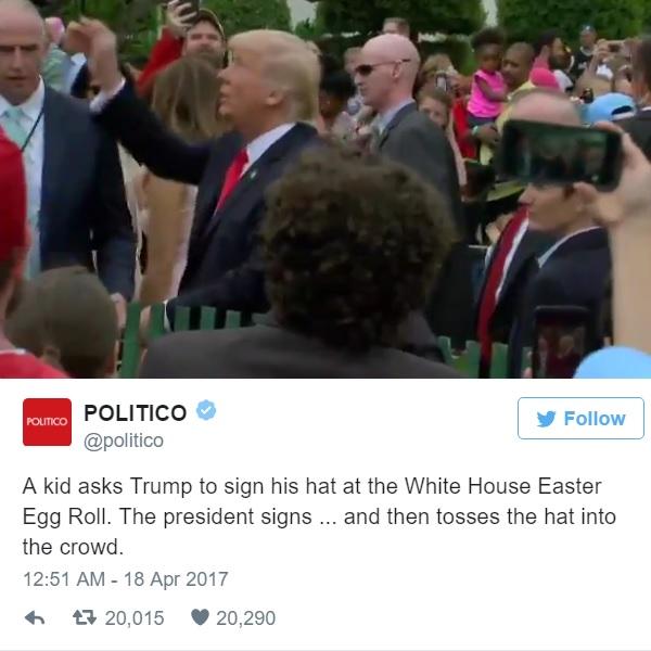 トランプ大統領がサインした子供の帽子を適当にポイ→ネットで物議醸す【映像】