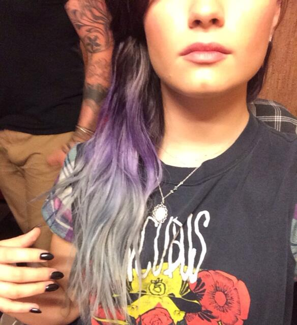 demi lovato dyed her hair purple and silver believes in