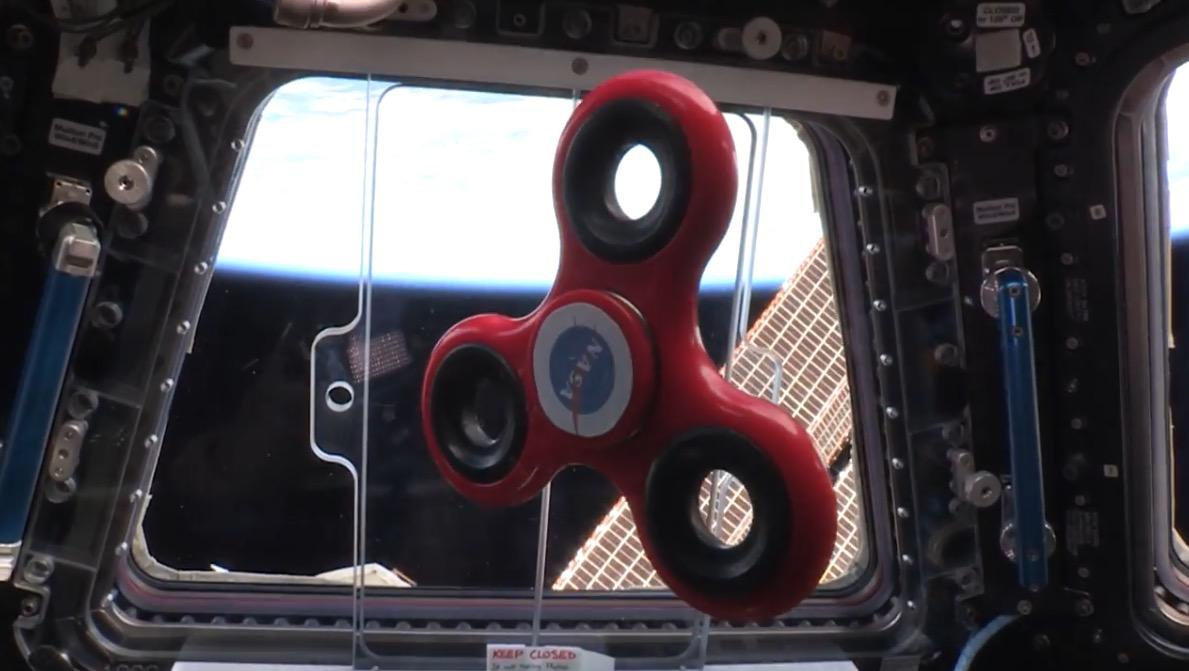Schwerelos Abdrehen: Fidget Spinner in der Raumstation