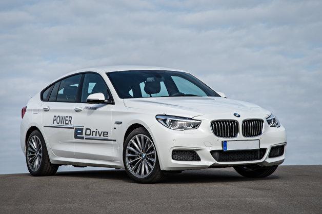 BMWが、最大出力670馬力を発揮するPHV「5シリーズGTコンセプト」を発表