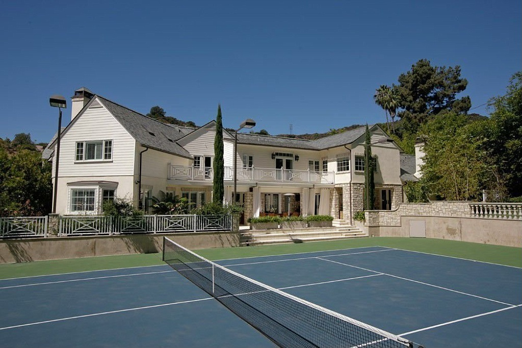 9555 Heather Road in Beverly Hills