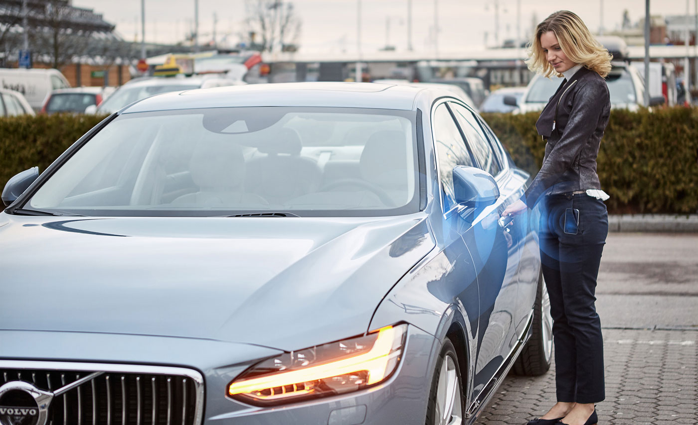 Volvo will (kinda) let drivers ditch car keys for phones
