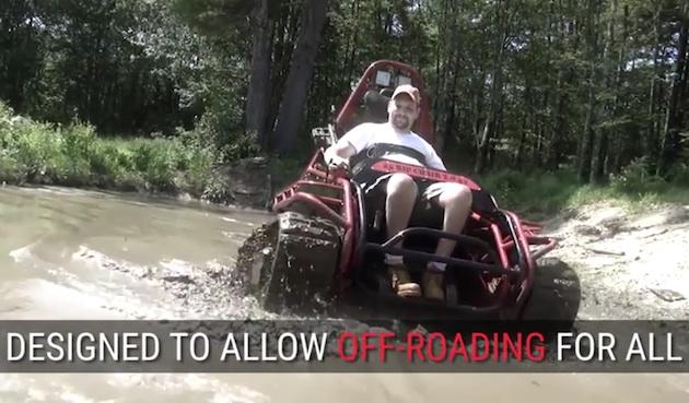 【ビデオ】抜群の走破性を誇るトラックベルト仕様の車いす