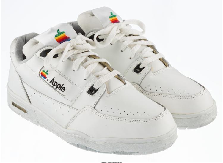 ¿Cuánto estarías dispuesto a pagar por estas zapatillas de Apple?