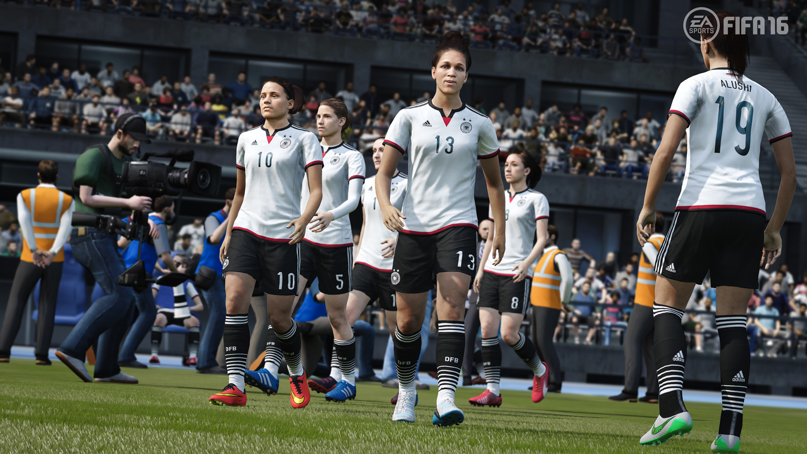 'FIFA 16' demo lets you control a women's team for the first time