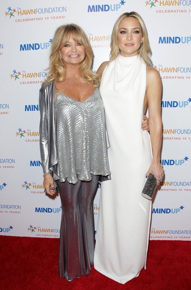 Kate Hudson wows in white as she support Goldie Hawn's charity bash