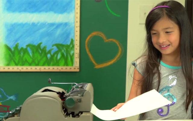 kids react to typewriters