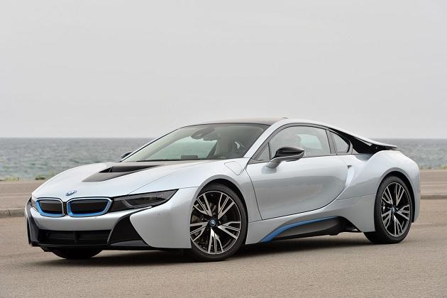 BMW「i8」の高性能バージョンは、300hpの2.0リッター4気筒ターボ・エンジンを搭載?