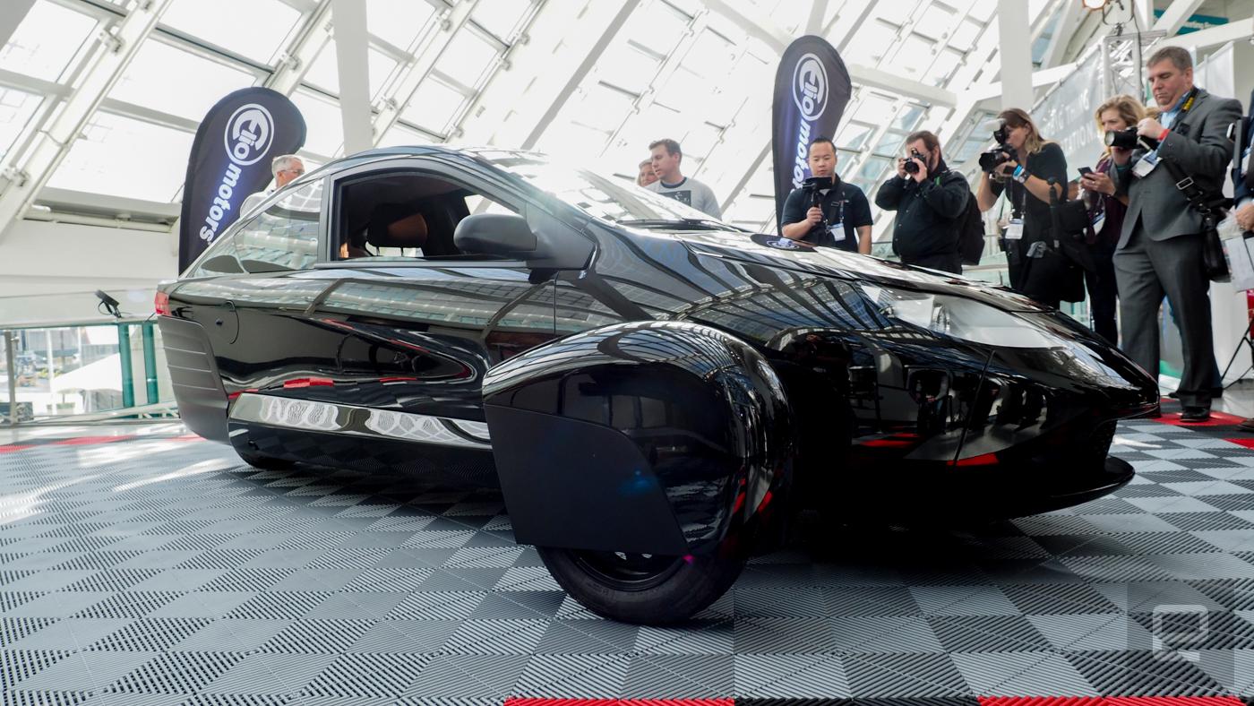 elio unveils its latest 84 mpg three wheeled prototype 15 minute. Black Bedroom Furniture Sets. Home Design Ideas