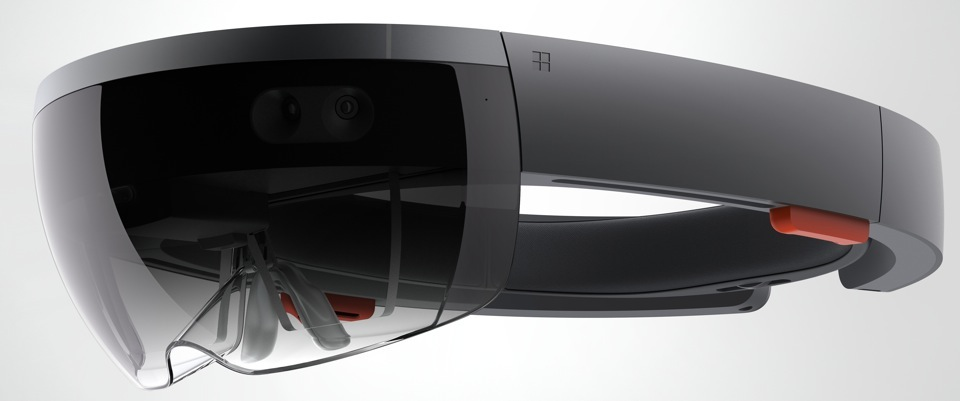 HoloLens is and isn't Xbox One's answer to PlayStation 4's virtual reality headset