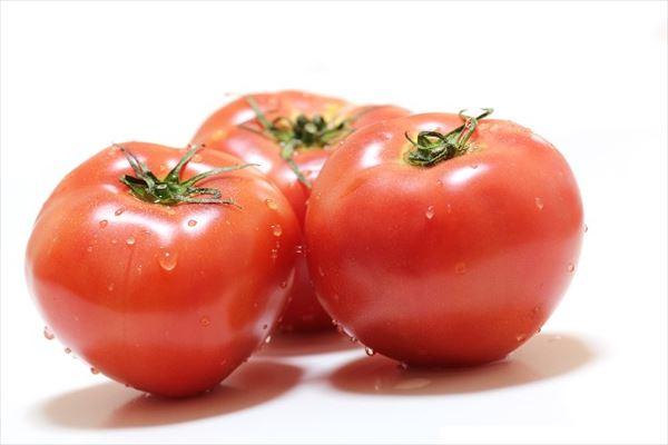 野菜片手に押しかける?87歳の「トマトストーカー」が逮捕