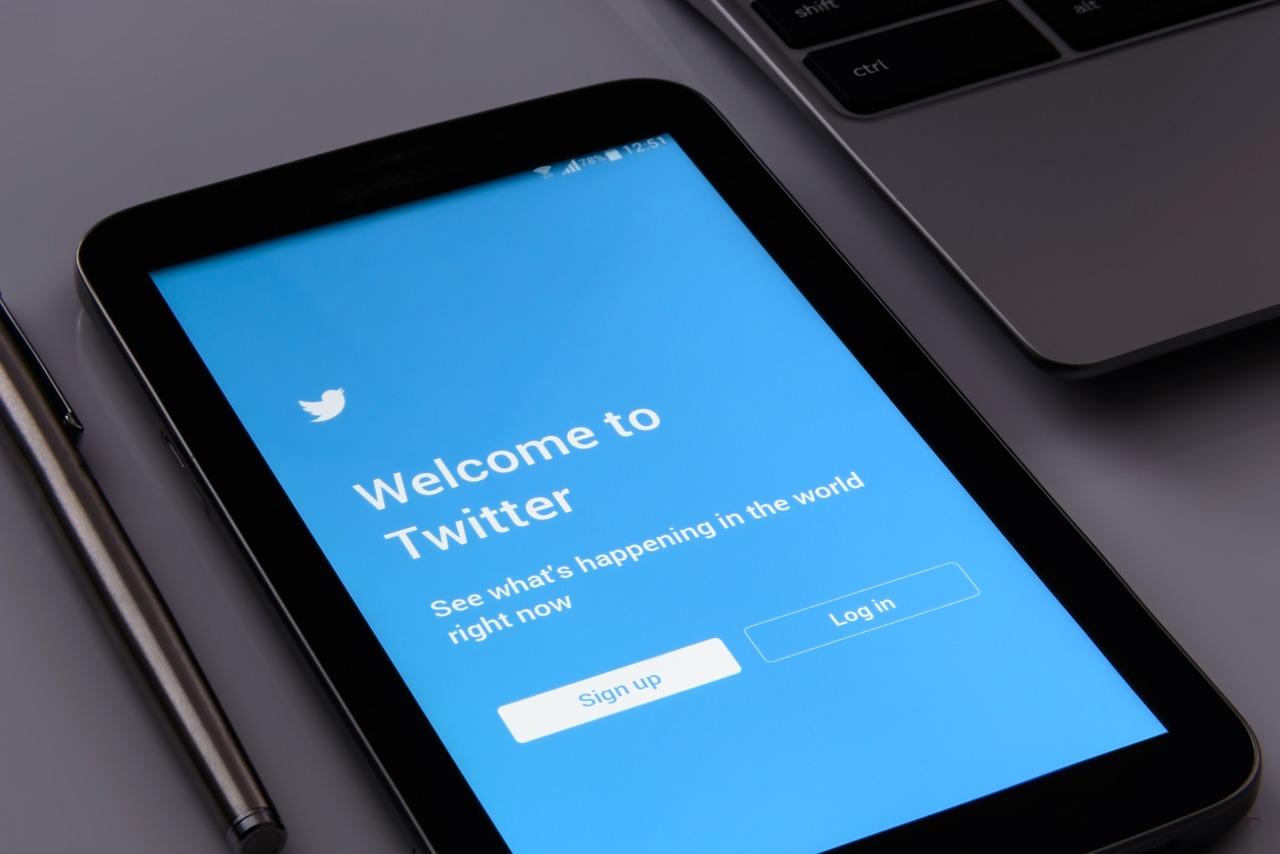 Una columnista de New York Times despedida por sus tuits incendiarios
