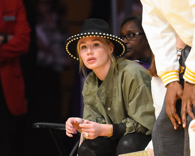 LOS ANGELES, CA - NOVEMBER 01:  Iggy Azalea attends a basketball game between the Dallas Mavericks and the Los Angeles Lakers at Staples Center on November 1, 2015 in Los Angeles, California.  (Photo by Noel Vasquez/GC Images)