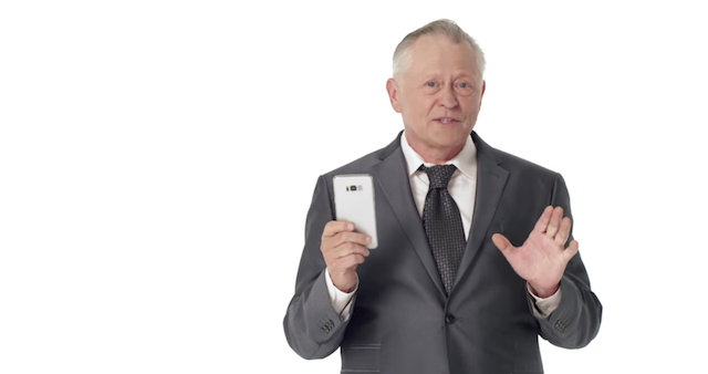 Comedy-Clip: Wenn Smartphone-Werbung ehrlich wäre
