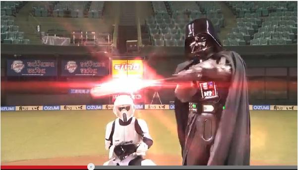 ダース・ベイダーとプロ野球のコラボ広告が世界中の「スター・ウォーズ」ファンに大人気