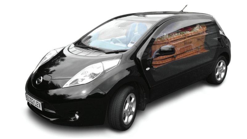 英国の葬儀会社が、日産「リーフ」をベースに電動霊柩車を開発