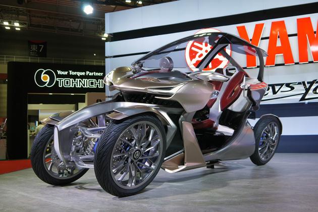 【東京モーターショー2017】ヤマハ MWC-4は「楽器とバイク」インスパイアの4輪LMW! 前後2人でタンデム可能