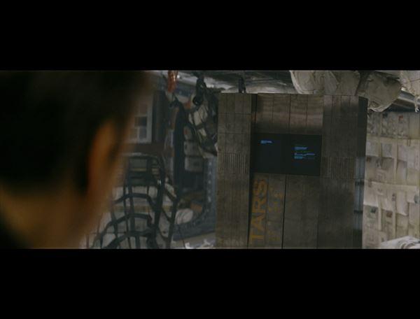 """大ヒット中!『インターステラー』に登場する話題のキャラ、""""有機的機械""""人工知能「TARS」"""