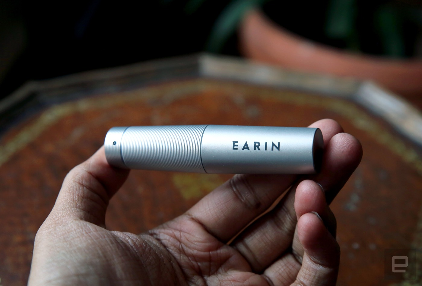 Earin's wireless earbuds are ambitious but flawed