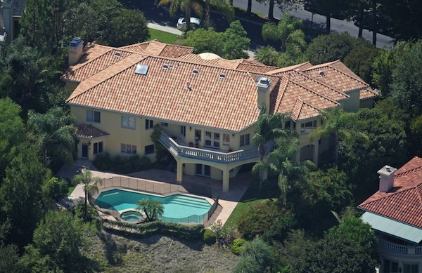 celebrity mansion that will disgust you, paris hilton mansion