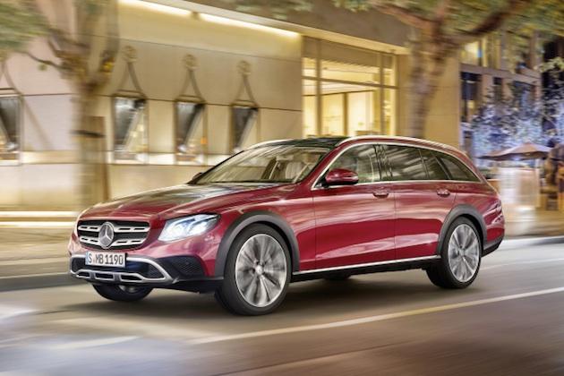 Mercedes-Benz E-Klasse All-Terrain; Outdoor; 2016; Exterieur: designo hyazinthrot metallic ;Kraftstoffverbrauch kombiniert: 5,1 l/100 km; CO2-Emissionen kombiniert: 137 g/km  Mercedes-Benz E-Class All-Terrain; outdoor; 2016;  exterior: designo hyacinth red metallic; Fuel consumption combined: 5.1 l/100 km; Combined CO2 emissions: 137 g/km