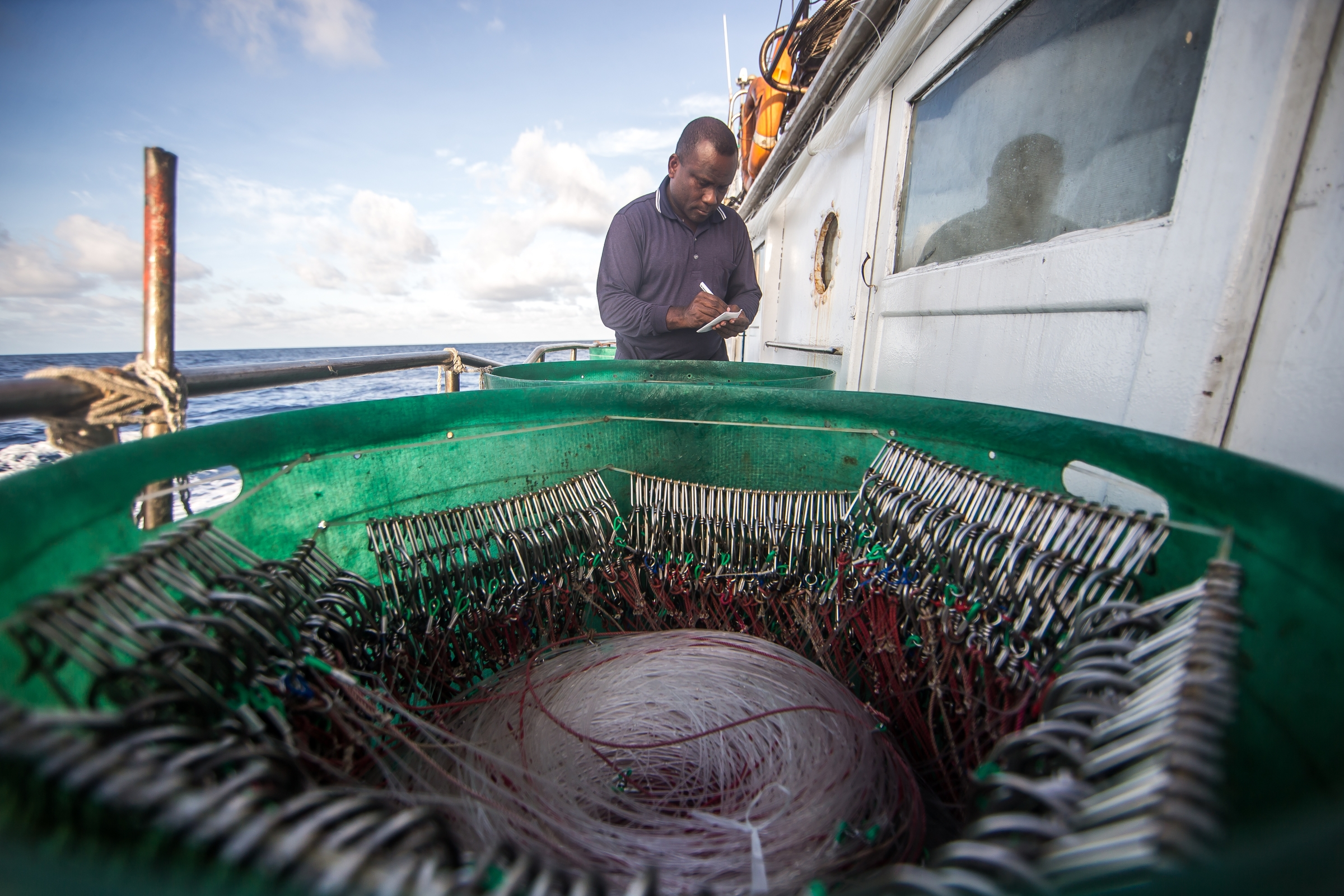 Palau - Philippines - The Nature Conservancy is working with fishermen in Palau to test new fishing practices and methods to reduce bycatch, such as rays, turtles, and silky sharks, and to sustainably manage the Pacific tuna fishery, the world�s largest tuna fishery. Photo by Jonne Roriz/The Nature Conservancy