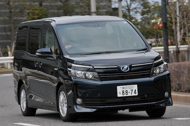 autoblog初登場、モータージャーナリスト斉藤聡。新型NOAH/VOXY試乗。