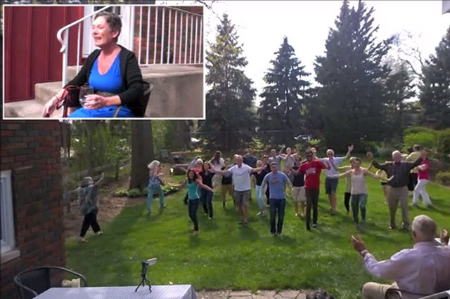 Daughter's heartwarming flashmob for dying mum's birthday (video)