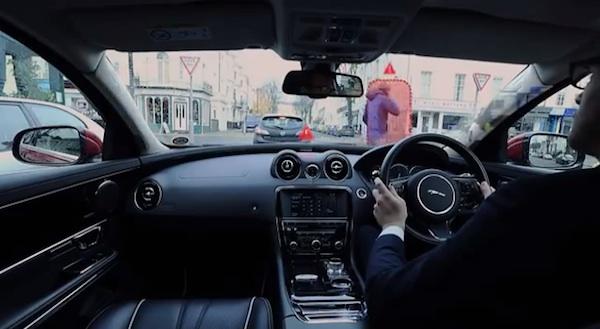 英自動車メーカー「ジャガー」がSFレベルのスゴすぎるフロントガラスを開発中