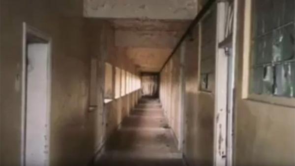 白衣の医者の幽霊が出る!?廃墟となった病院の写真がネット上で話題に【動画】