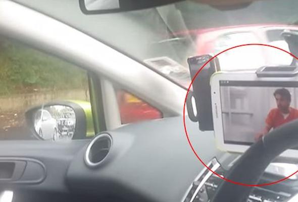Woman caught ipad batinghot 2 9