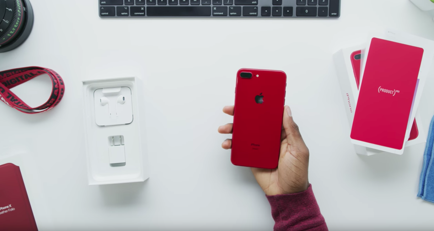 Unboxing: iPhone 8 Product RED