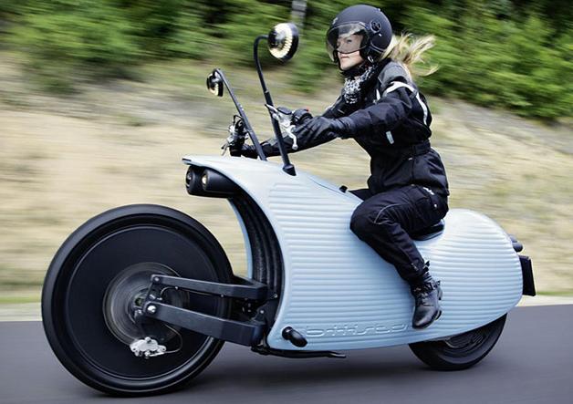 【レポート】見た目が斬新なオーストリア発の電動バイク「Johammer J1」(ビデオ付)