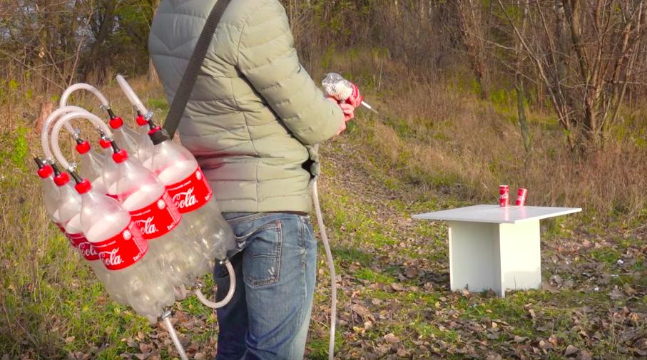 Recycling mal anders: Luftdruckkanone aus leeren PET-Flaschen