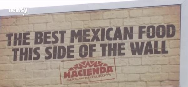 トランプ氏の「メキシコ国境に壁」発言をネタに!? あるレストランのビルボード広告に非難の声!