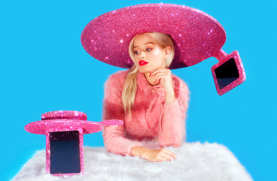 Fashions fade, but Acer's selfie sombrero is forever