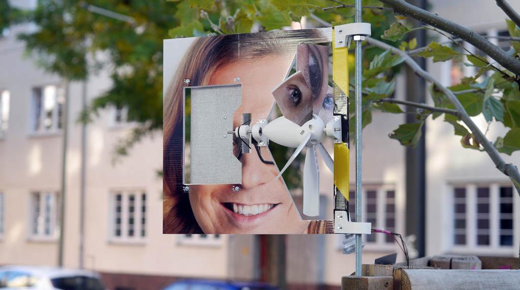 Acoustic Street Art: Windrad treibt Spieluhr an