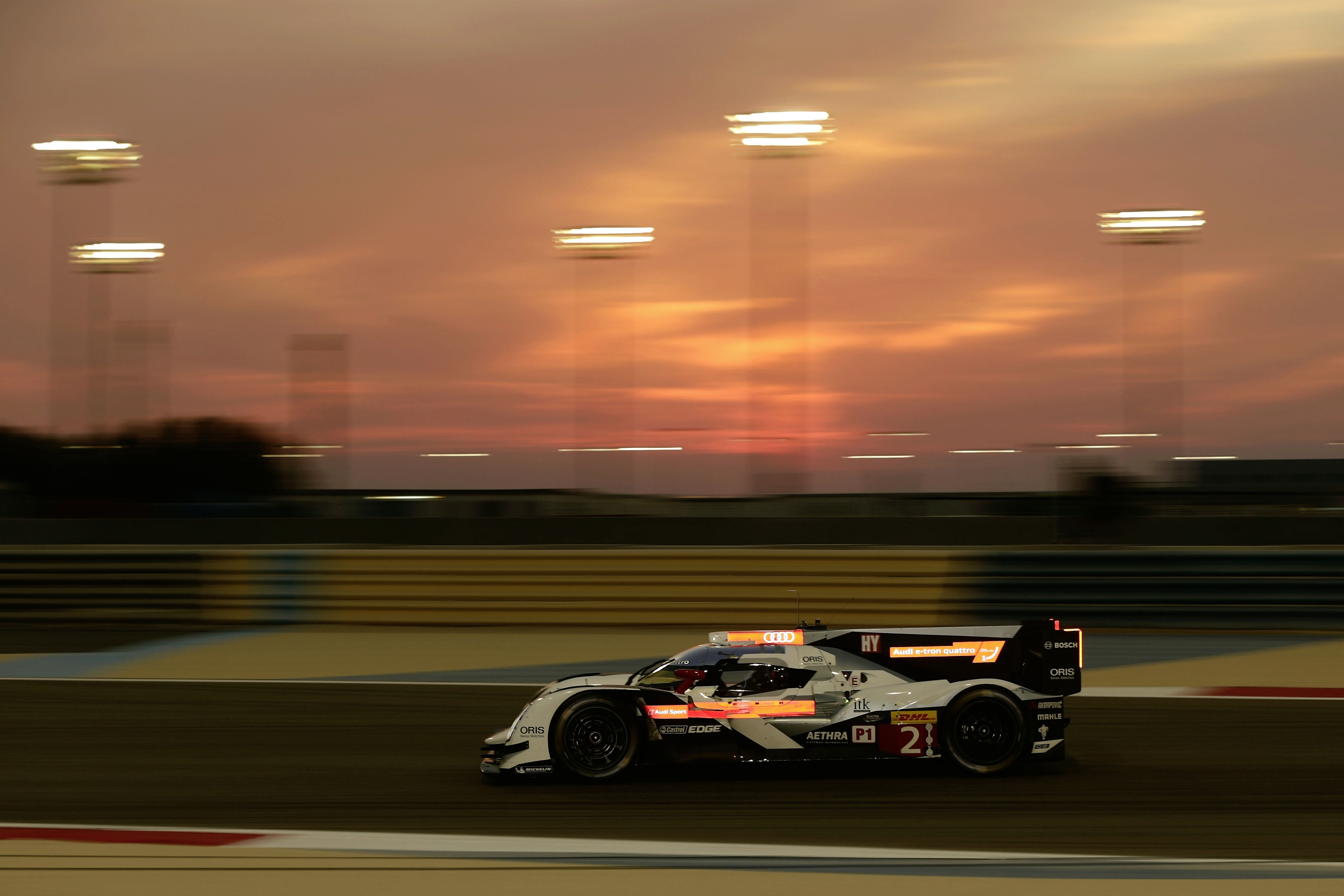 Erstmals steigt das Finale der FIA-Langstrecken-Weltmeisterschaft WEC in Brasilien. Am 30. November wird in S o Paulo der achte WM-Lauf ausgetragen. Zum ersten Mal ist die Titelentscheidung in der Markenwertung auf das letzte Saisonrennen vertagt, nachdem Audi in den ersten beiden WEC-Jahren 2012 und 2013 jeweils vorzeitig Weltmeister war. Fuer Tom Kristensen (DK) bedeutet das Rennen den Abschied vom Profi-Rennsport.
